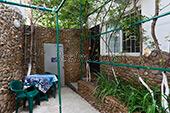 Двор гостевого дома Уютный дворик на Садовой в Орджоникидзе - Феодосия (Крым)