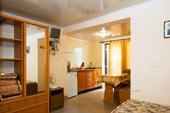 3х местный номер в Гостевом доме в Орджоникидзе, Феодосия, Крыму