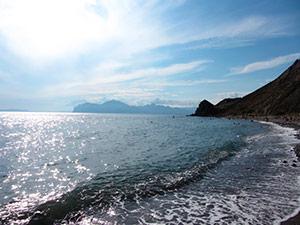 Агатовый пляж в Орджоникидзе - Крым.