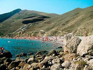 Пляж краснячка в Орджоникидзе - Крым.