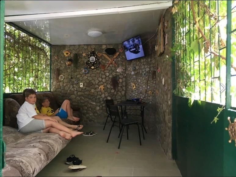 Отдохнувшие в Орджоникидзе, Феодосия Крым