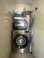 Стиральная машинка и микровалновки в гостевом доме Крымский кораблик на Садовой в Орджоникидзе - Крым.