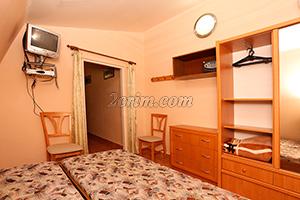 Номер на 2-х человек (комната) в Гостевом доме Крымский кораблик в Орджоникидзе.
