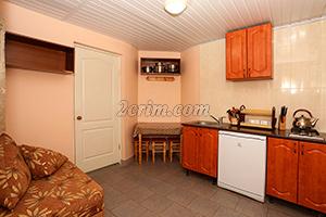 Номер на 3х человек (кухня) в Гостевом доме Крымский кораблик.