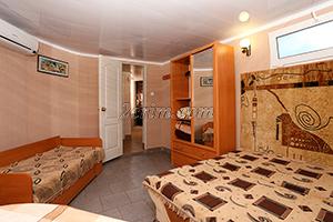 Номер на 3х человек (комната) в Гостевом доме Крымский кораблик.