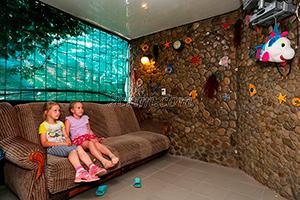 Детская беседка на территории гостевого дома Крымский кораблик.